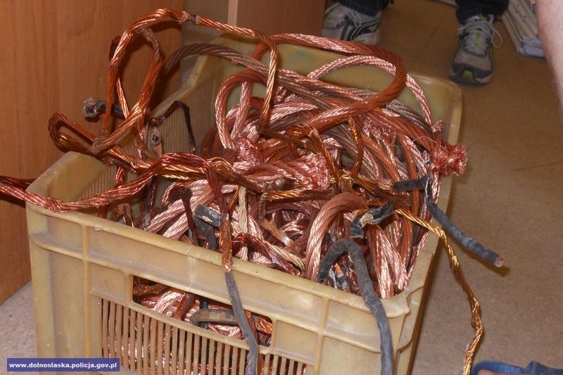 Kilkadziesiąt kilogramów metali kolorowych