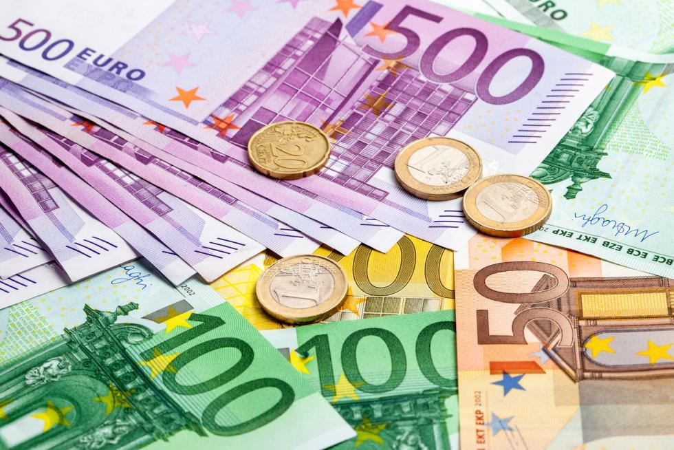 Najlepsze kursy walut – gdzie ich szukać?