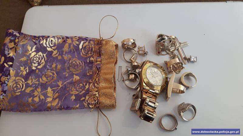 Areszt za włamanie ikradzież biżuterii