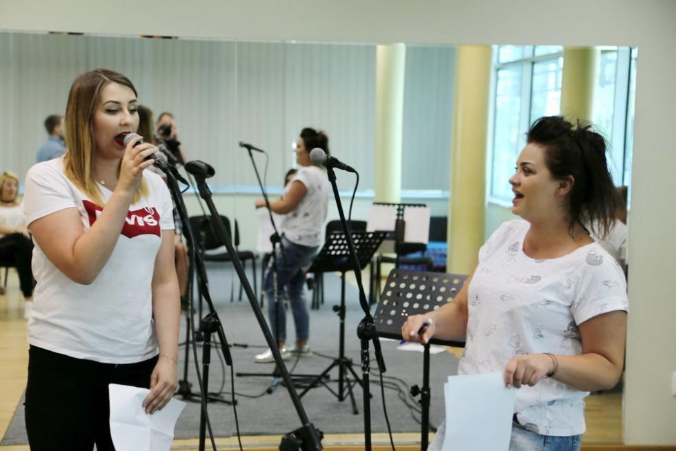 Talenty wokalne wamfiteatrze przy ul. Tyrankiewiczów