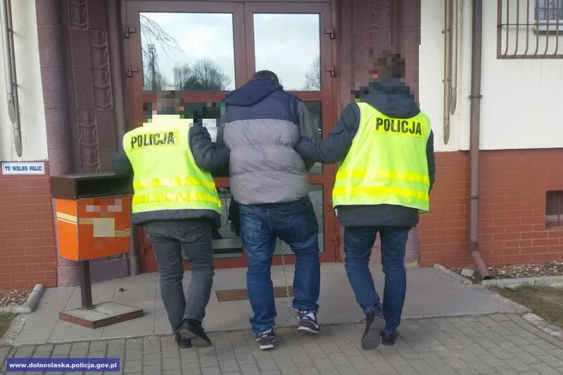 Areszty dla sprawców rozboju ipobicia nastolatków