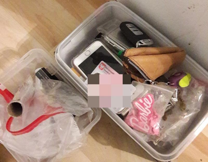 Zaproponował policjantom łapówkę wzamian za wyrzucenie znalezionych przy nim narkotyków