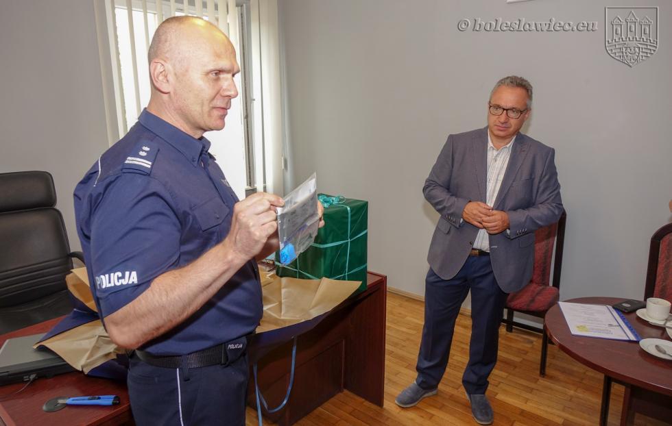 Narkotesty ialkomaty przekazane bolesławieckiej policji