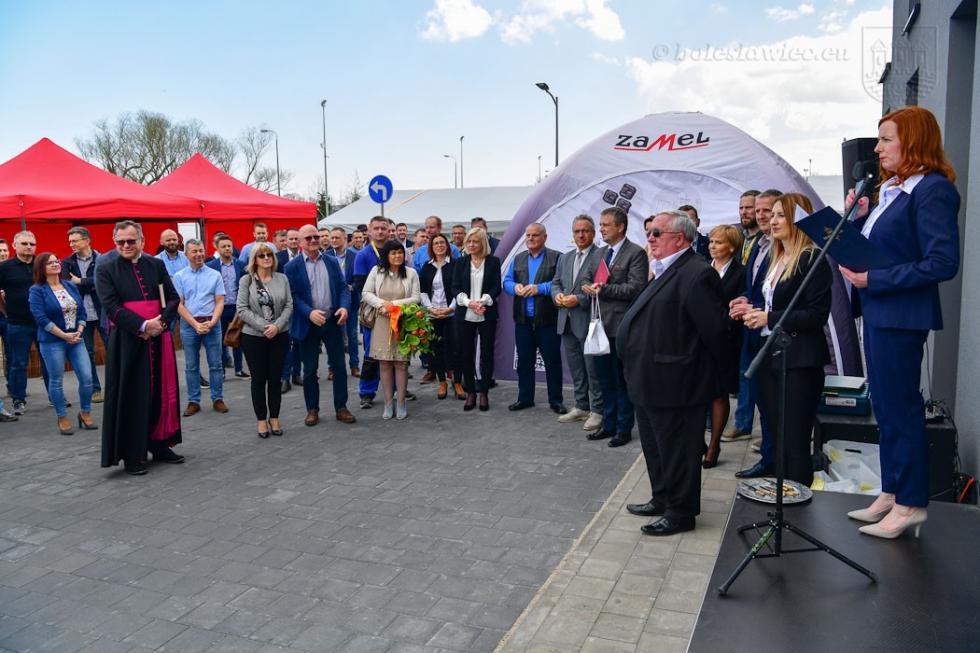 """Kolejny oddział firmy """"Elektros"""" oficjalnie otwarty na strefie wBolesławcu"""