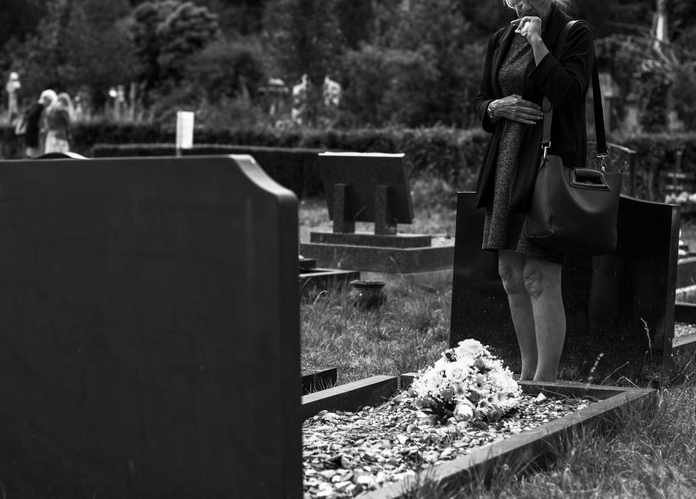 Na co zwrócić uwagę wybierając zakład pogrzebowy
