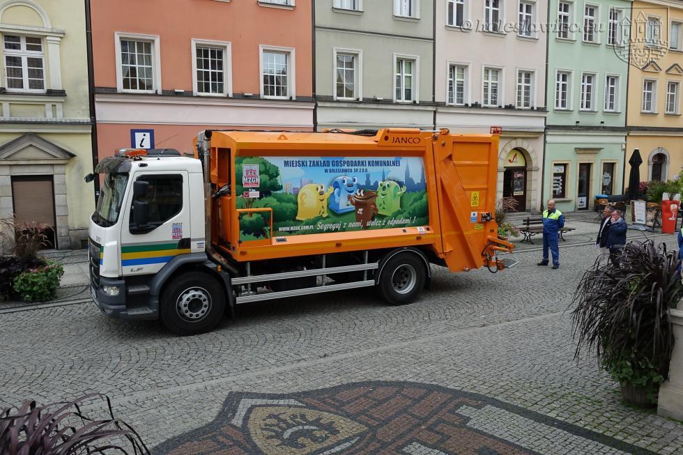 Nowa śmieciarka wMZGK