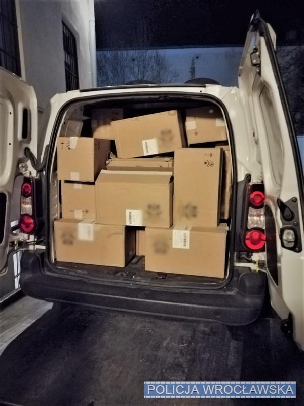 Przejęli transport 480 tys. sztuk nielegalnych papierosów