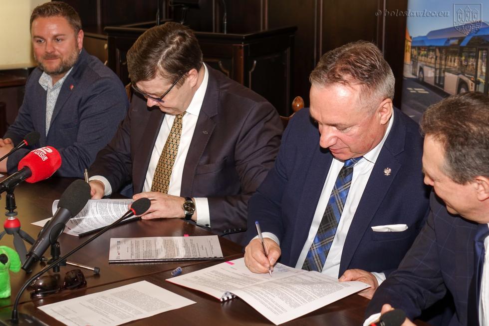 Umowa na zakup autobusów elektrycznych podpisana