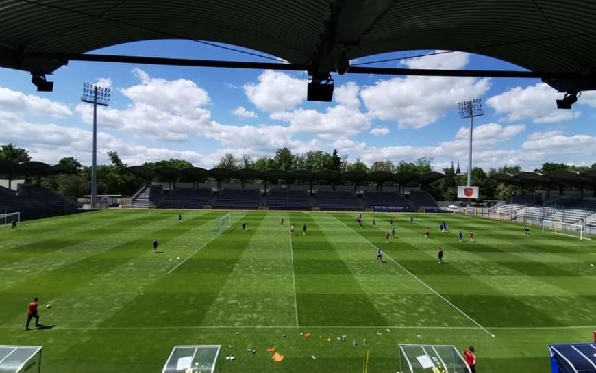Polski futbol otwiera się na legnickim stadionie już 26 maja