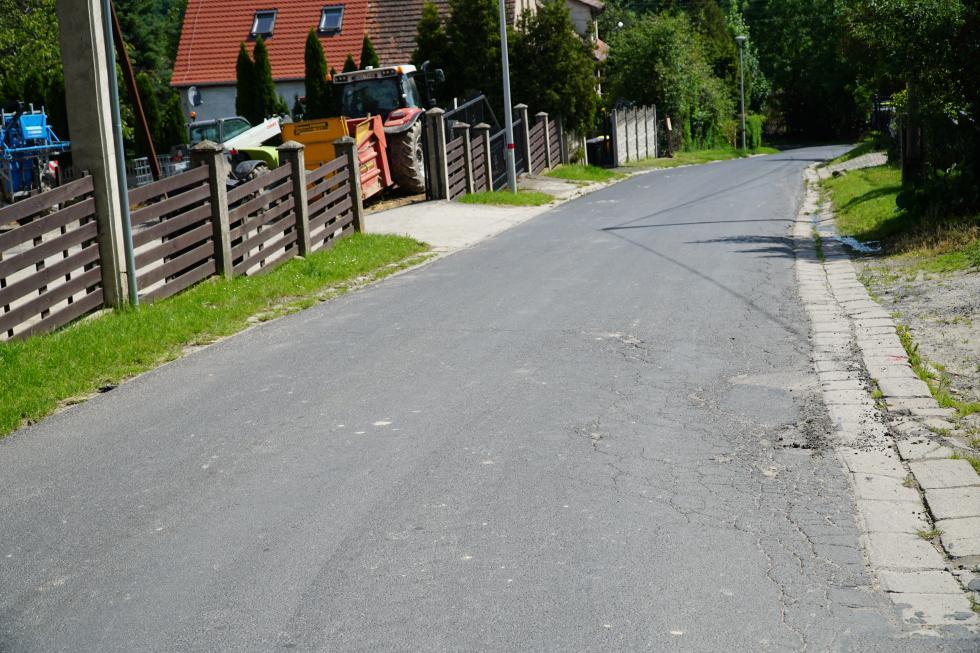 Remont drogi między Wartą Bolesławiecką a Wartowicami