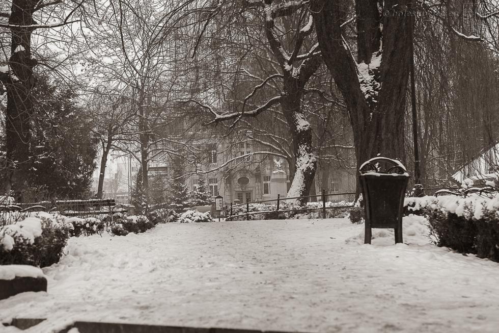 Obowiązki zarządców, właścicieli iadministratorów posesji podczas zimy